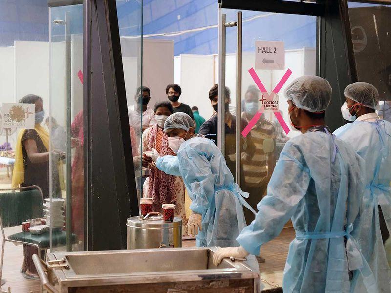 INDIA HEALTH WORKERS TEA COVID HOSPITAL