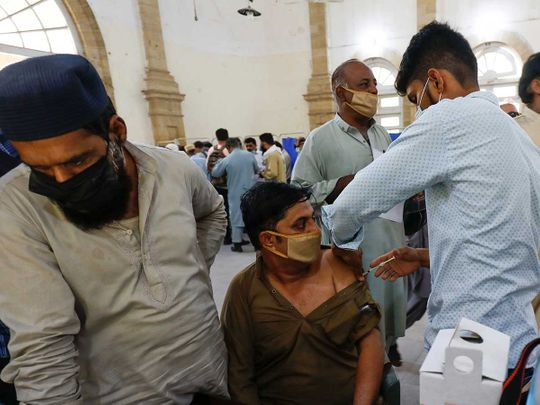 pakistan vaccination covid