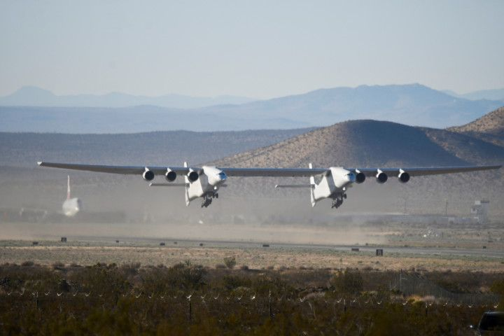 Copy of 2021-04-29T072920Z_1022587729_RC2J5N9OE749_RTRMADP_3_SPACE-EXPLORATION-STRATOLAUNCH-1619872757002