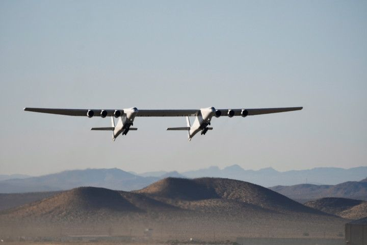 Copy of 2021-04-29T072925Z_1534635517_RC2J5N9BZEEY_RTRMADP_3_SPACE-EXPLORATION-STRATOLAUNCH-1619872758764