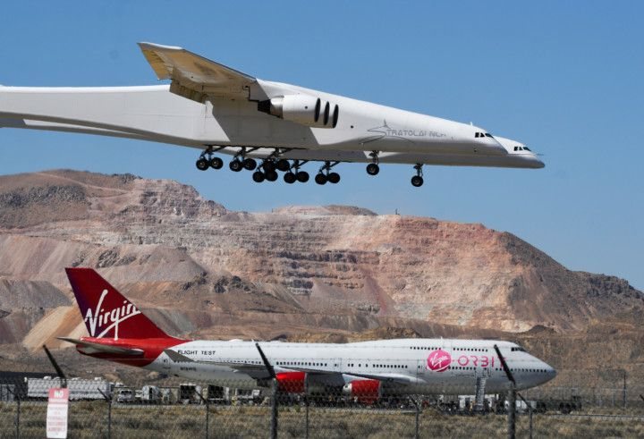 Copy of 2021-04-29T102105Z_1150765060_RC2M5N9T2BWY_RTRMADP_3_SPACE-EXPLORATION-STRATOLAUNCH-1619872766401