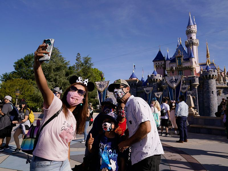 Copy-of-Virus-Outbreak-California-Tourism-Disneyland_64936