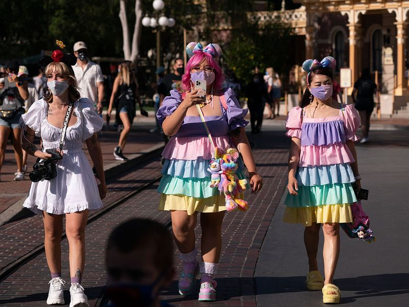 Copy-of-Virus_Outbreak_California_Tourism_Disneyland_10632