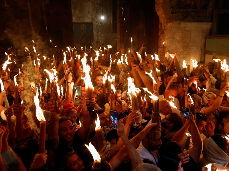 2021-05-01T124116Z_1302470318_RC207N9DVTYN_RTRMADP_3_RELIGION-EASTER-ORTHODOX-HOLY-FIRE