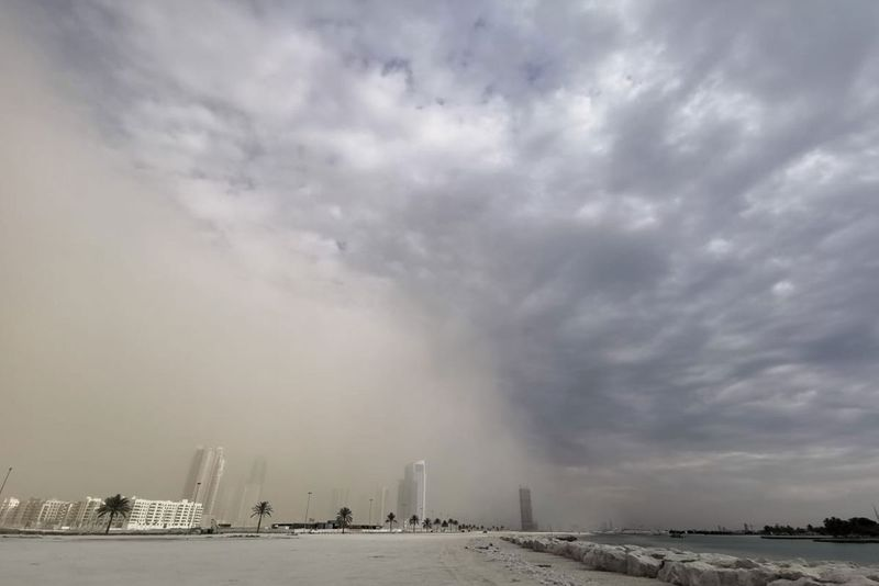 Strong winds, dust storm across the UAE