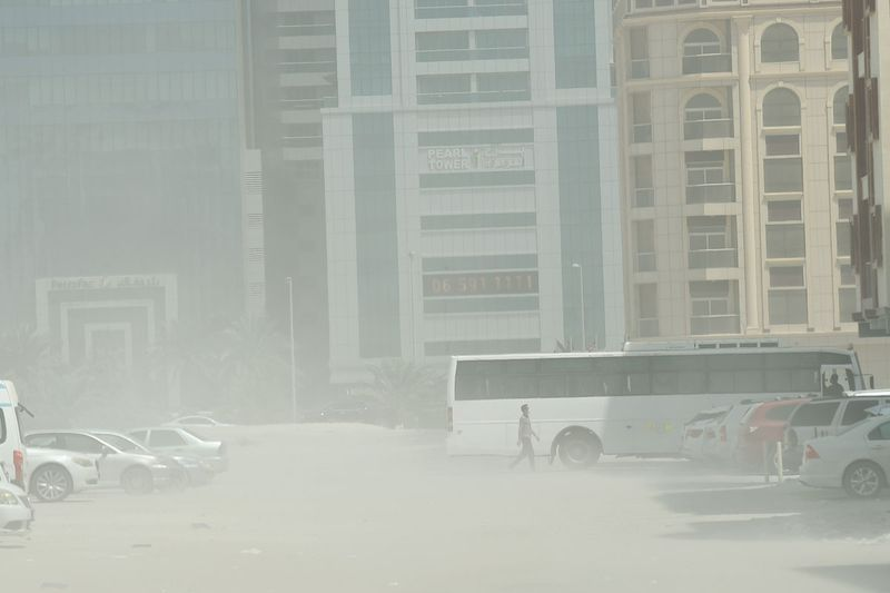 Strong winds, dust storm in Sharjah.