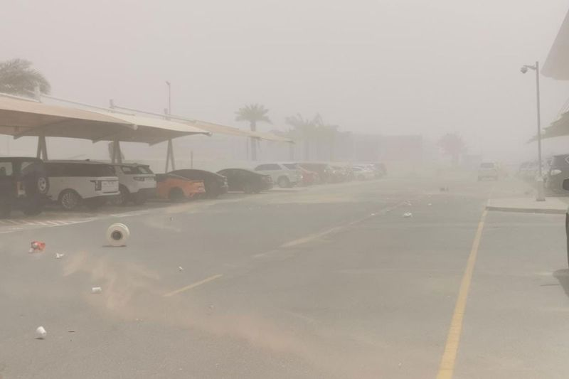Strong winds, dust storm on Monday.