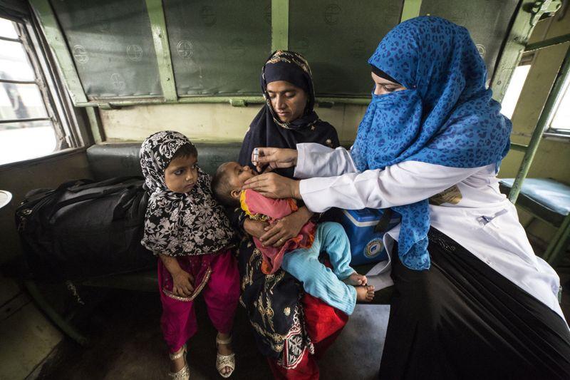Emirates Polio Campaign_4-1620108783481