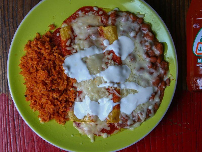 Enchiladas, Chalcos restaurant