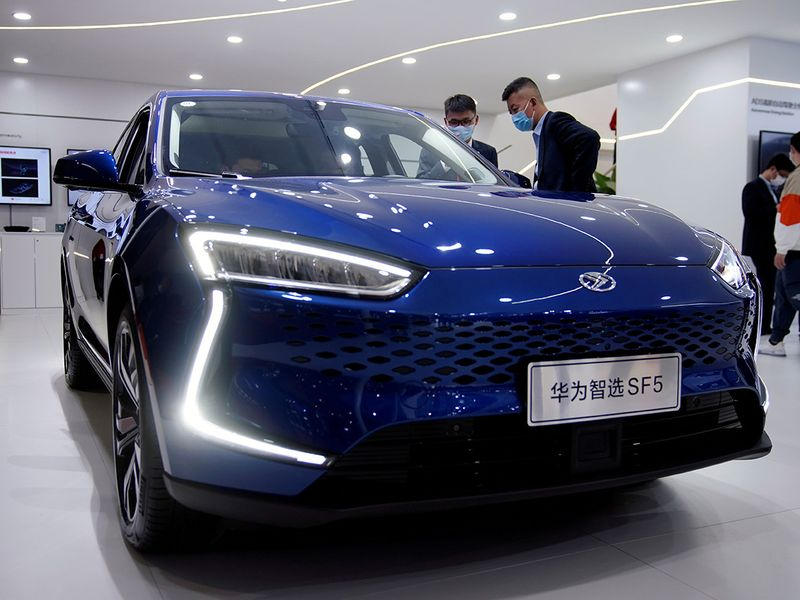 Huawei deepens dive into electric vehicles