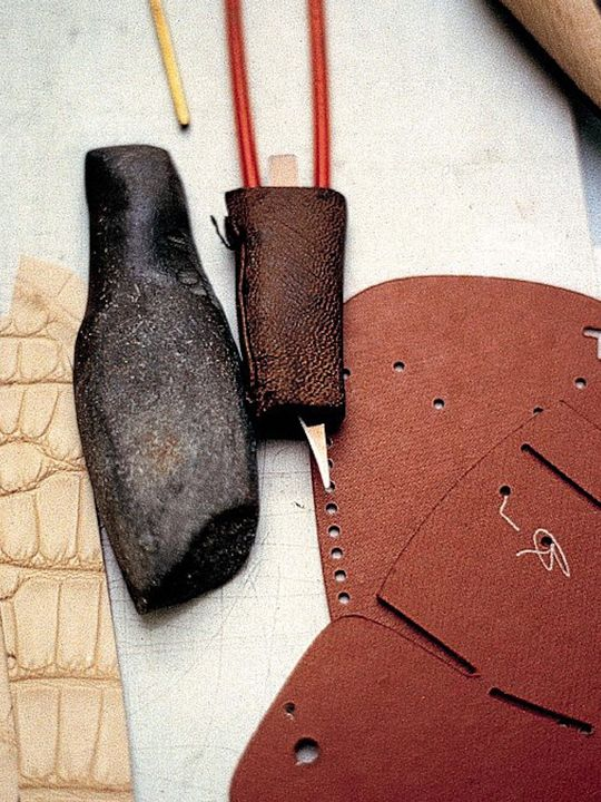 Shoemaking tools used in the Tod's headquarters