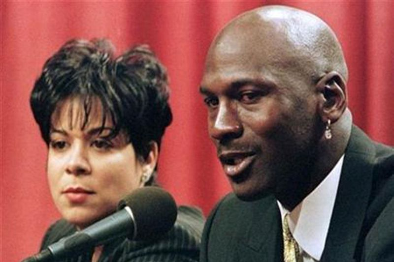 Former basketball superstar Michael Jordan and his wife Juanita Vanoy are shown in this January 13, 1999 file photograph.
