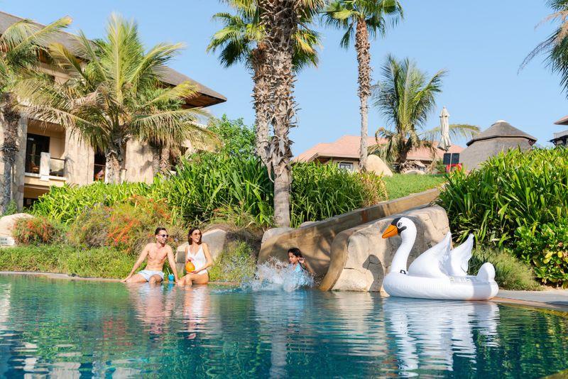 Sofitel Palm pool day