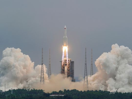 Copy of 2021-05-05T160400Z_1781140956_RC2S9N96K923_RTRMADP_3_SPACE-EXPLORATION-CHINA-ROCKET-1620380138112