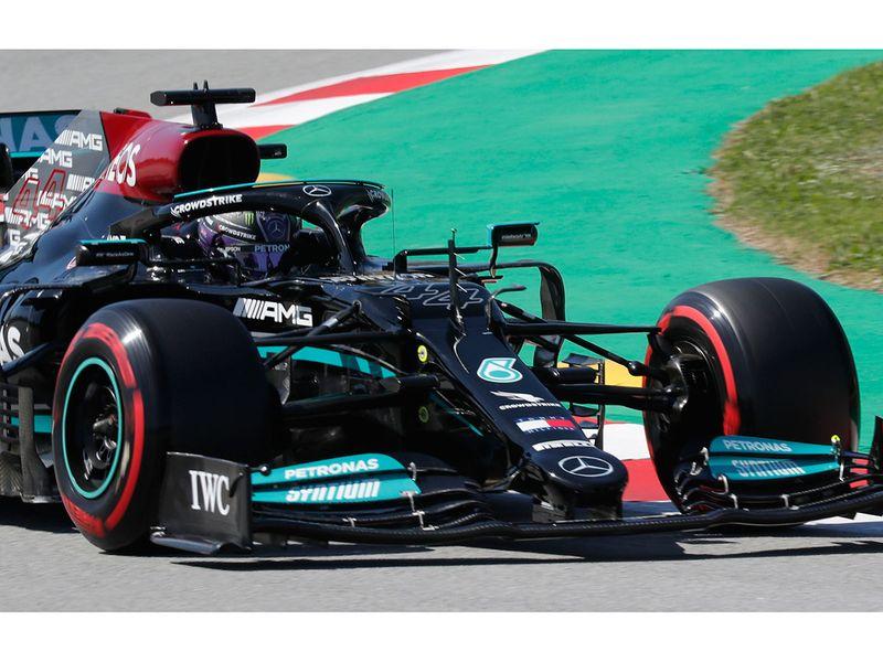 Formula One: Lewis Hamilton claims 100th pole position at Spanish Grand Prix