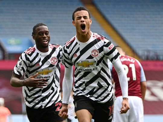 Manchester United defeated Aston Villa 3-1