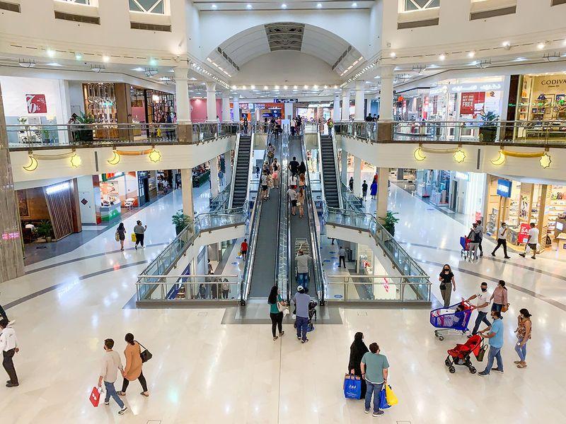 Stock Dubai shopping retail