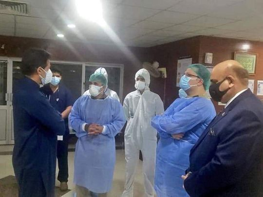 Imran Khan made a surprise visit to a hospital treating COVID-19 patients.