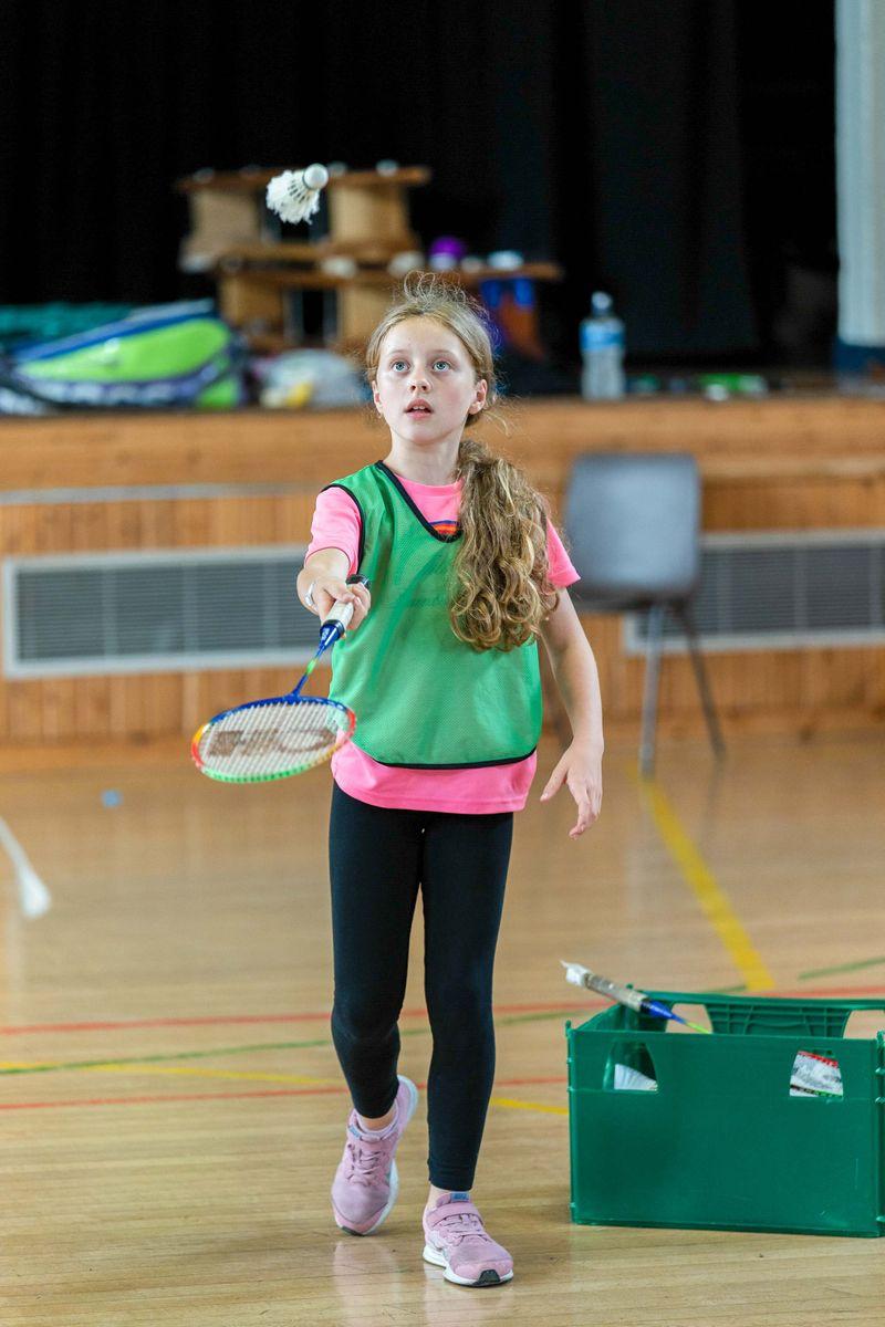 girl badminton