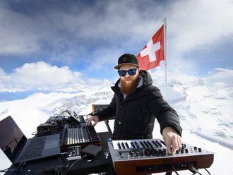Copy of Switzerland_Mountain_Music_42138.jpg-4f1e6-1620973411804