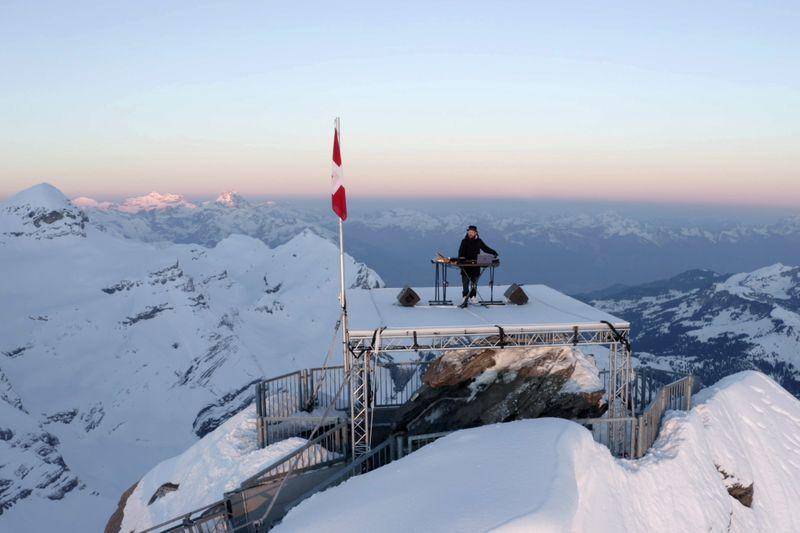 Copy of Switzerland_Mountain_Music_86780.jpg-37688-1620973407774