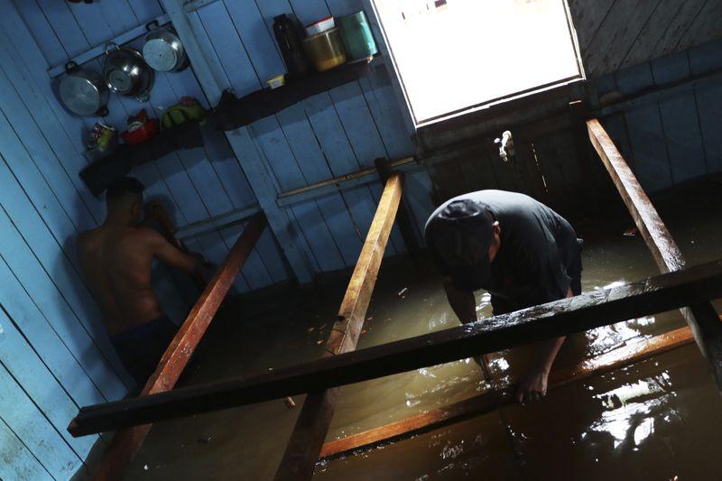 Copy of Brazil_Amazon_Floods_01880.jpg-6555c-1621076847467