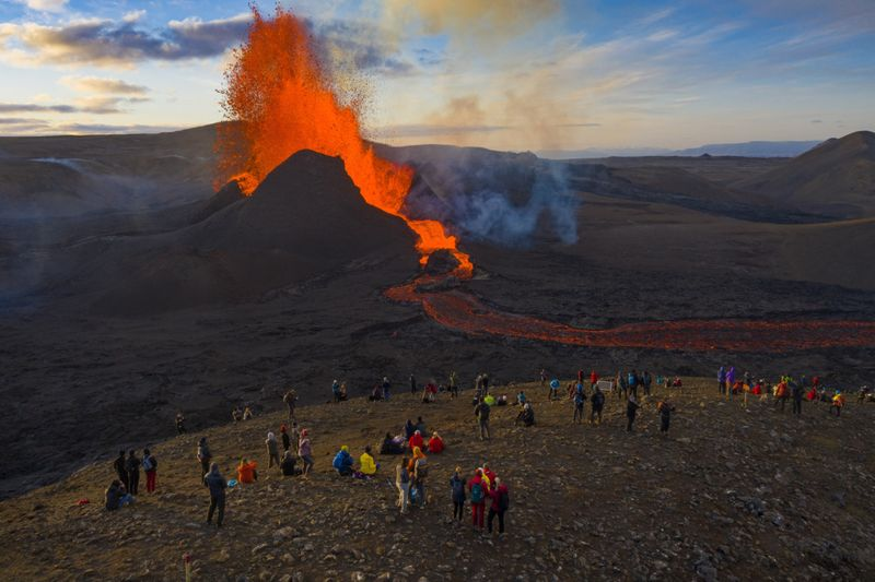 Copy of APTOPIX_Iceland_Volcano_Photo_Gallery_51134.jpg-03fba-1621160188774