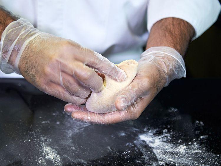 Close the dough