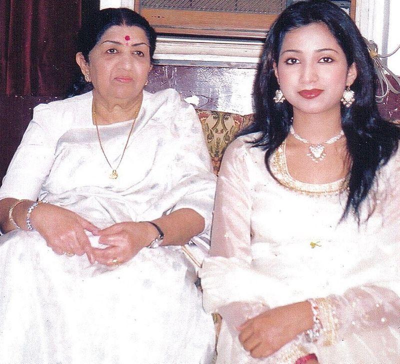 LataMangeshkar and Shreya Ghoshal