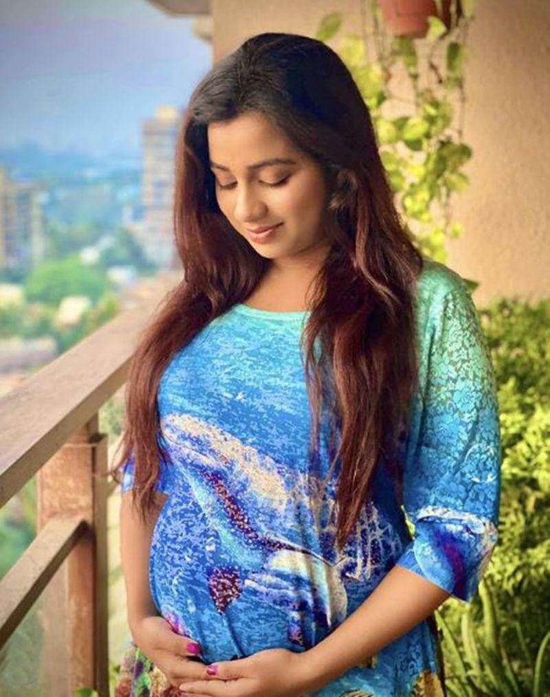 Shreya Ghosal-1621753638305