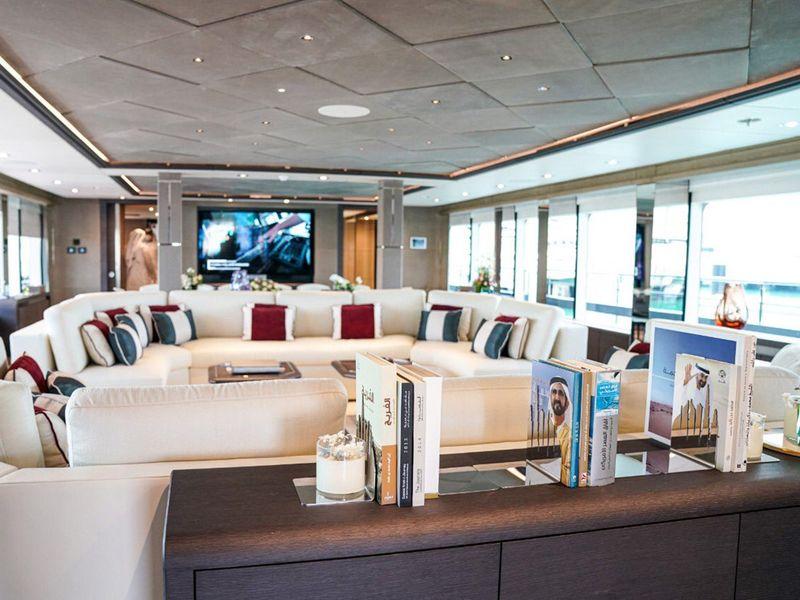 Superyacht Majesty 175