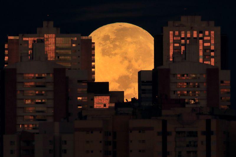 Copy of APTOPIX_Lunar_Eclipse_Brazil_47908.jpg-409d7-1622044792850