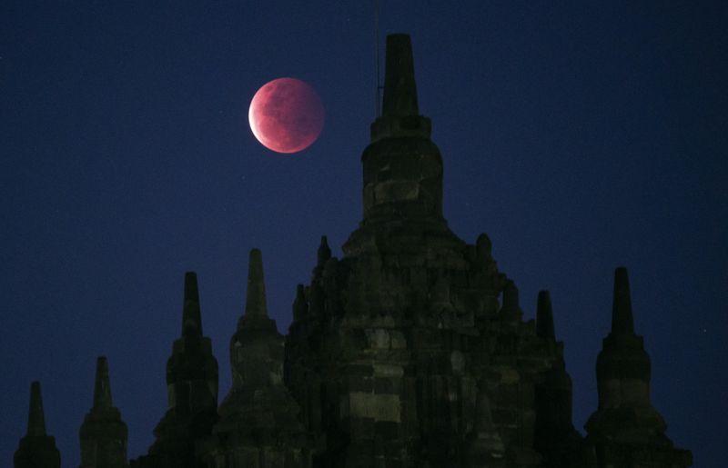 Copy of Indonesia_Lunar_Eclipse_45347.jpg-ecf2b-1622044811534