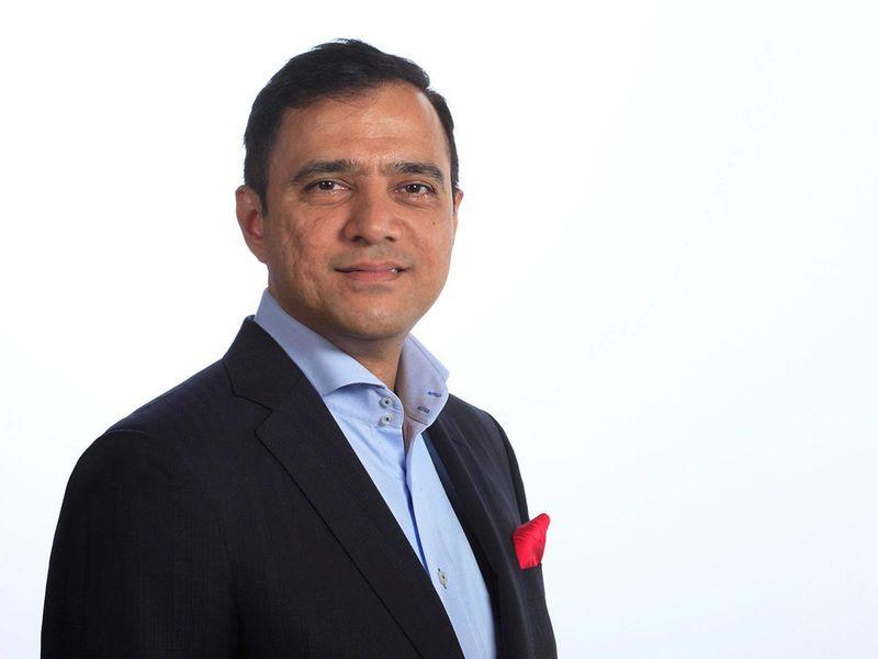 Chirantan Joshi, Corporate Connections