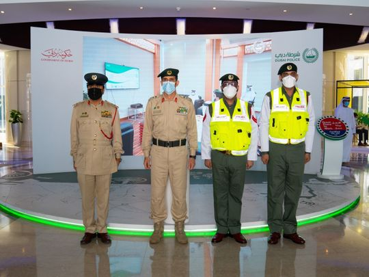 NAT Dubai police chief honored policemen after a murder-1622461685445