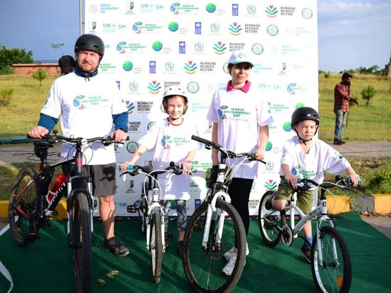 Diplomats Pakistan bike ride