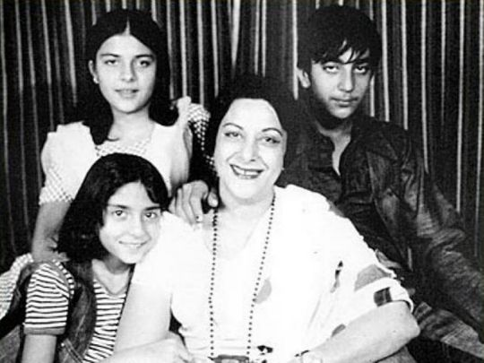 Sanjay Dutt with his mother Nargis and sisters Namrata and Priya Dutt
