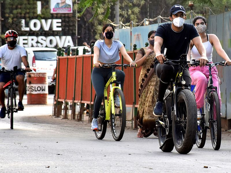 Bollywood Actress sisters Janhvi Kapoor and Khushi Kapoor spotted at Andheri, in Mumbai on Wednesday.
