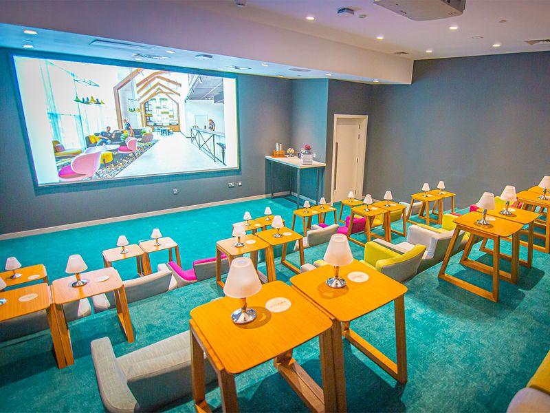 Studio 1 hotel UAEFA