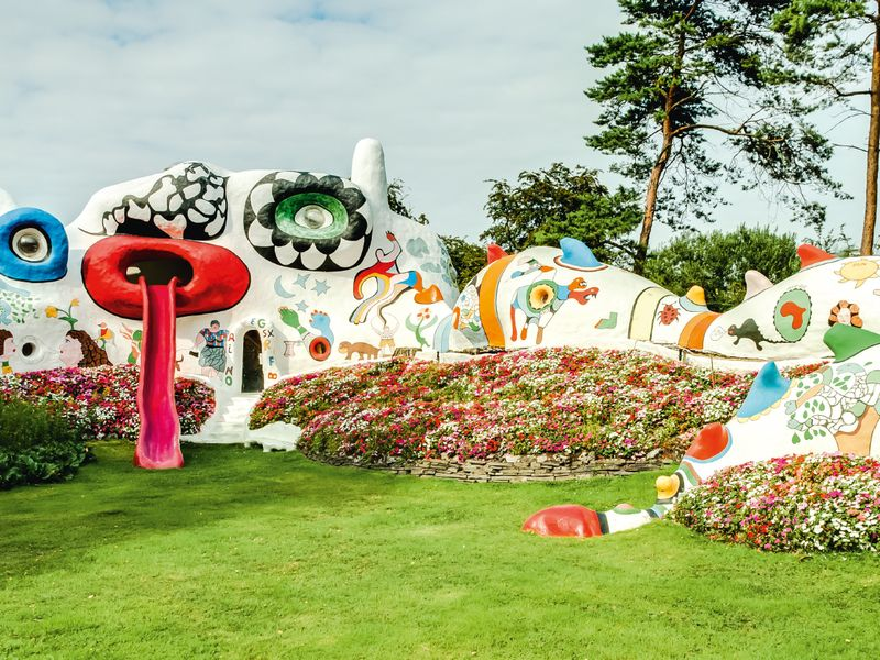 The Knokke Dragon, a play house created by Niki de Saint Phalle in the 1970s for Roger Nellens's children