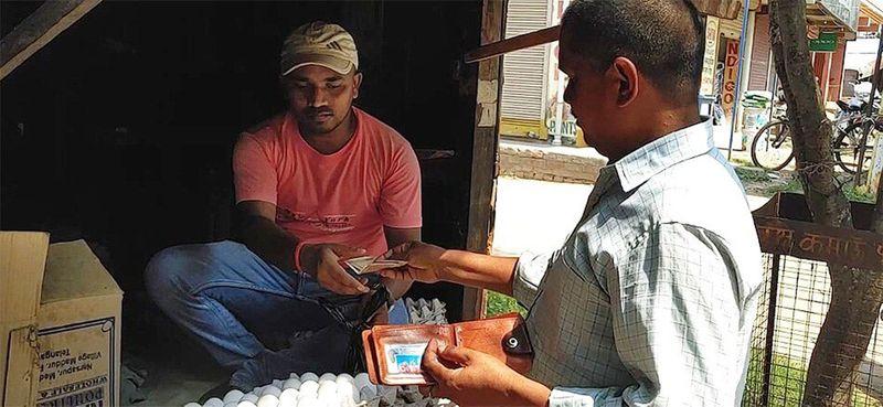 India: Egg-selling cobbler's son cracks civil services exam