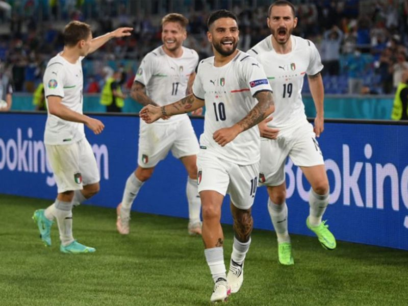 Euro 2020: Italy 'send message' to rivals after thrashing Turkey 3-0