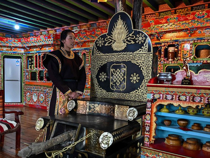 Herders to hoteliers: China lures millions of tourists to Tibet