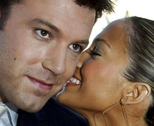 Jennifer Lopez and Ben Affleck confirm dating rumours with PDA?