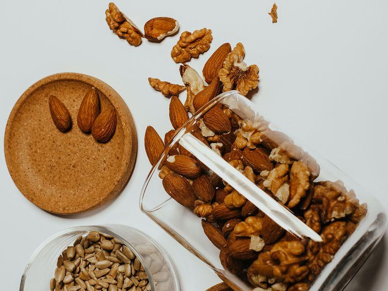 walnuts-almonds-pexels