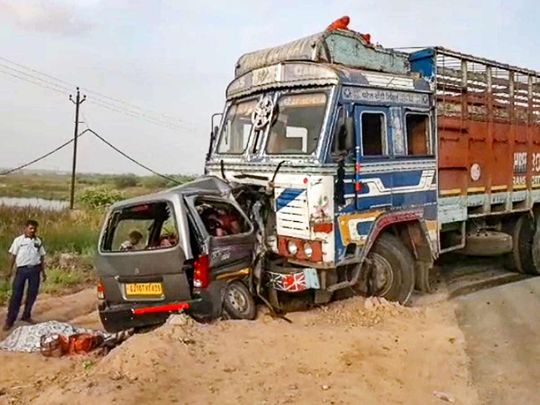 A car and a truck collided at Anand-Tarapur highway killing