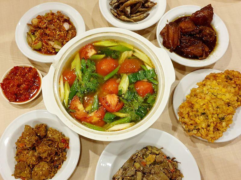 manadonese-cuisine-shutterstock