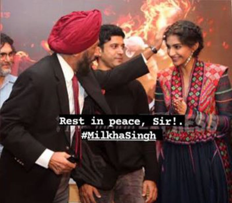Sonam Kapoor with Milkha SIngh and Farhan Akhtar