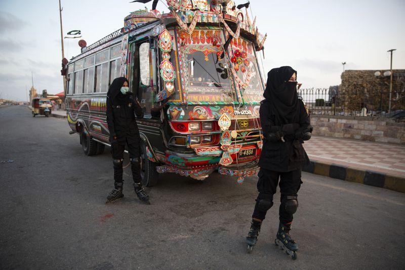 pakistan skates-1-1624373308676