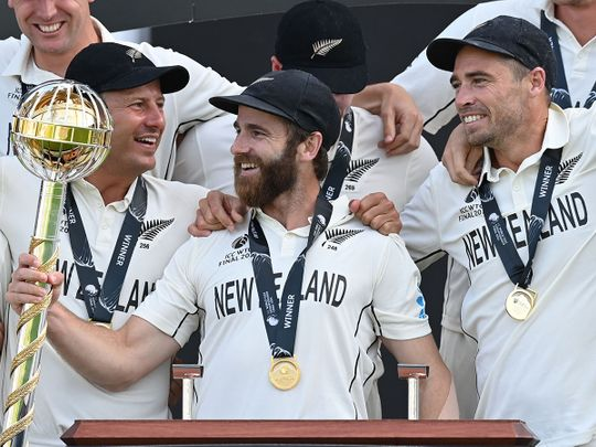 Cricket - NZ with trophy